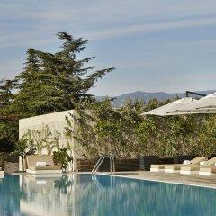Отель Holiday Inn Тбилиси бассейн фото 2