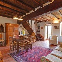 Отель Borgo Acquaiura Сполето комната для гостей