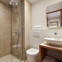 Отель Hôtel Victoire & Germain Франция, Париж - отзывы, цены и фото номеров - забронировать отель Hôtel Victoire & Germain онлайн ванная
