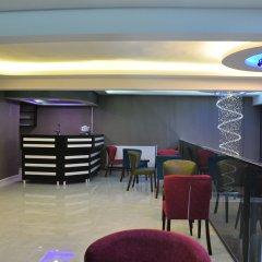 Отель Madi Otel Izmir гостиничный бар