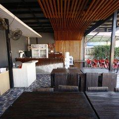 Отель Koh Larn Villa Resort бассейн
