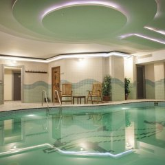 Bilek Istanbul Hotel Турция, Стамбул - 1 отзыв об отеле, цены и фото номеров - забронировать отель Bilek Istanbul Hotel онлайн бассейн фото 3