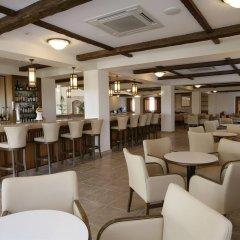Отель Avanti Holiday Village гостиничный бар
