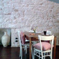 Отель Dimora delle Badesse Италия, Конверсано - отзывы, цены и фото номеров - забронировать отель Dimora delle Badesse онлайн гостиничный бар