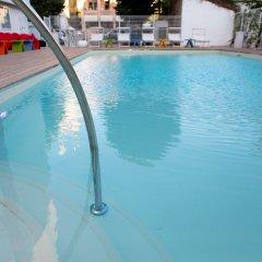 Hotel Rainbow Римини бассейн