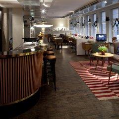 Отель Henri Hotel Hamburg Downtown Германия, Гамбург - 1 отзыв об отеле, цены и фото номеров - забронировать отель Henri Hotel Hamburg Downtown онлайн гостиничный бар