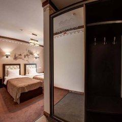 Karpatski Hotel & Restaurant сейф в номере