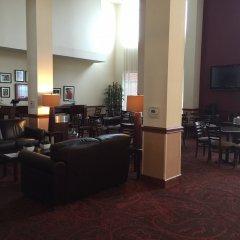 Отель Holiday Inn Express Hotel & Suites Columbus Univ Area - Osu США, Колумбус - отзывы, цены и фото номеров - забронировать отель Holiday Inn Express Hotel & Suites Columbus Univ Area - Osu онлайн интерьер отеля
