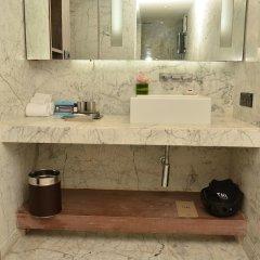 Отель The Park New Delhi ванная фото 2