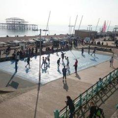 Отель Churchill Brighton бассейн