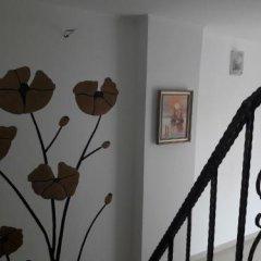 Отель Dracena Guesthouse Болгария, Равда - отзывы, цены и фото номеров - забронировать отель Dracena Guesthouse онлайн интерьер отеля фото 3