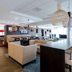 Отель Hampton by Hilton Amsterdam Airport Schiphol гостиничный бар