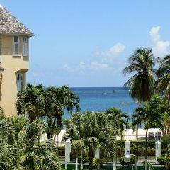 Отель SandCastles Deluxe Beach Resort пляж