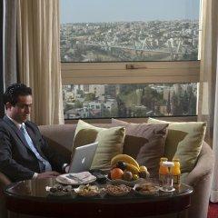 Отель Le Royal Hotels & Resorts - Amman в номере