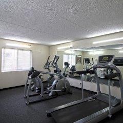 Отель Chicago Club Inn & Suites фитнесс-зал