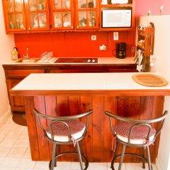Отель Garden Beach Studios at Montego Bay Club Ямайка, Монтего-Бей - отзывы, цены и фото номеров - забронировать отель Garden Beach Studios at Montego Bay Club онлайн гостиничный бар