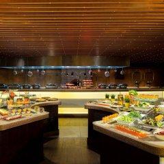 Отель Sheraton Sharjah Beach Resort & Spa питание фото 3