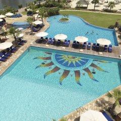 Отель Radisson Blu Resort, Sharjah бассейн