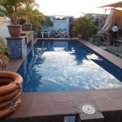Отель Alheri Suites бассейн