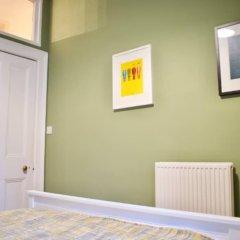 Отель Traditional 2 Bedroom Flat With Views of Portobello Beach Эдинбург комната для гостей фото 4