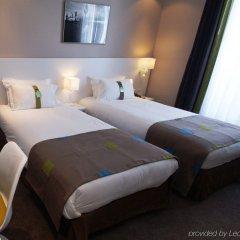 Отель Holiday Inn Paris - Auteuil комната для гостей