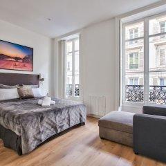 Отель 63 - Luxury Flat Champs-Élysées 1C Франция, Париж - отзывы, цены и фото номеров - забронировать отель 63 - Luxury Flat Champs-Élysées 1C онлайн комната для гостей фото 2