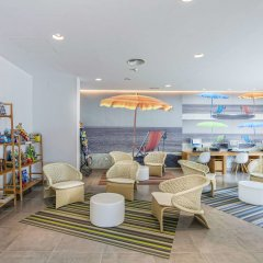Отель Los Amigos Beach Club by Diamond Resorts гостиничный бар