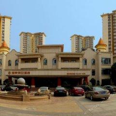 Hengrong Holiday Hotel парковка