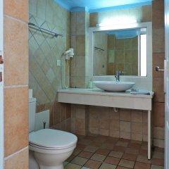Отель Sea Side Beach Hotel Греция, Остров Санторини - отзывы, цены и фото номеров - забронировать отель Sea Side Beach Hotel онлайн ванная