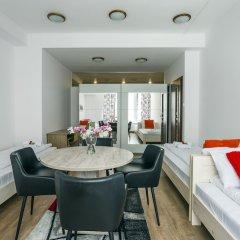 Отель Galeria Italiana Apartments Польша, Вроцлав - отзывы, цены и фото номеров - забронировать отель Galeria Italiana Apartments онлайн комната для гостей фото 2