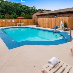 Отель Best Western Auburn/Opelika Inn США, Опелика - отзывы, цены и фото номеров - забронировать отель Best Western Auburn/Opelika Inn онлайн бассейн фото 3