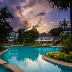 Отель Thavorn Palm Beach Resort Phuket Таиланд, Пхукет - 10 отзывов об отеле, цены и фото номеров - забронировать отель Thavorn Palm Beach Resort Phuket онлайн бассейн фото 2