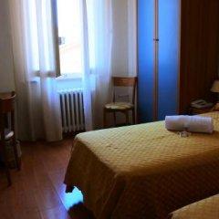 Отель Loreto Италия, Лорето - отзывы, цены и фото номеров - забронировать отель Loreto онлайн комната для гостей фото 5