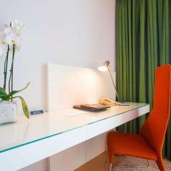 Отель Hilton Athens Греция, Афины - отзывы, цены и фото номеров - забронировать отель Hilton Athens онлайн удобства в номере фото 2