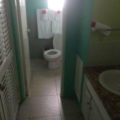 Отель Cool Breeze Beach Studio Ямайка, Монтего-Бей - отзывы, цены и фото номеров - забронировать отель Cool Breeze Beach Studio онлайн ванная