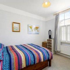 Отель 2 Bedroom House With Garden in Battersea комната для гостей фото 2