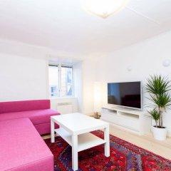 Отель Apartdirect Gamla Stan Стокгольм комната для гостей фото 4