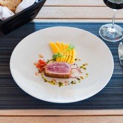 Отель Sailrock Resort- Island Hop Flight Included питание