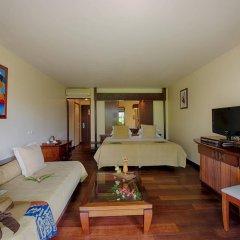 Отель Manava Beach Resort and Spa Moorea Французская Полинезия, Папеэте - отзывы, цены и фото номеров - забронировать отель Manava Beach Resort and Spa Moorea онлайн комната для гостей фото 4