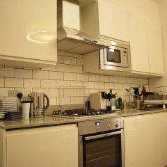 Отель 1 Bedroom Covent Garden Flat Sleeps 4 в номере фото 2