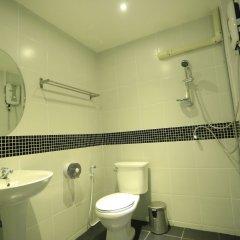 Отель The Mix Bangkok - Silom Бангкок ванная