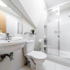 Отель Cosy 1 bedroom in Belsize Park Лондон ванная