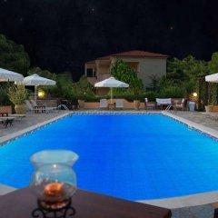 Отель Agrili Resort бассейн