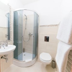 Отель Amadeus Pension ванная фото 2