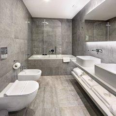 Отель Dancing House Hotel Чехия, Прага - 2 отзыва об отеле, цены и фото номеров - забронировать отель Dancing House Hotel онлайн ванная