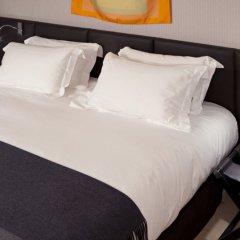 Отель Le Pradey Париж сейф в номере