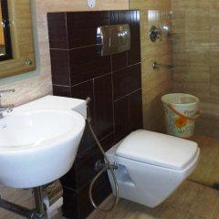 Отель O Delhi Индия, Нью-Дели - отзывы, цены и фото номеров - забронировать отель O Delhi онлайн ванная