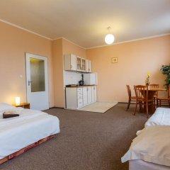 Hotel Koruna Злонице комната для гостей