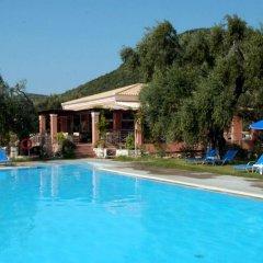 Отель La Riviera Barbati бассейн