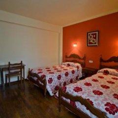 Отель Hostal Ayestaran I Испания, Ульцама - отзывы, цены и фото номеров - забронировать отель Hostal Ayestaran I онлайн сейф в номере